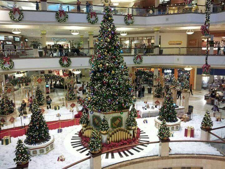 Beautifully decorated mall.