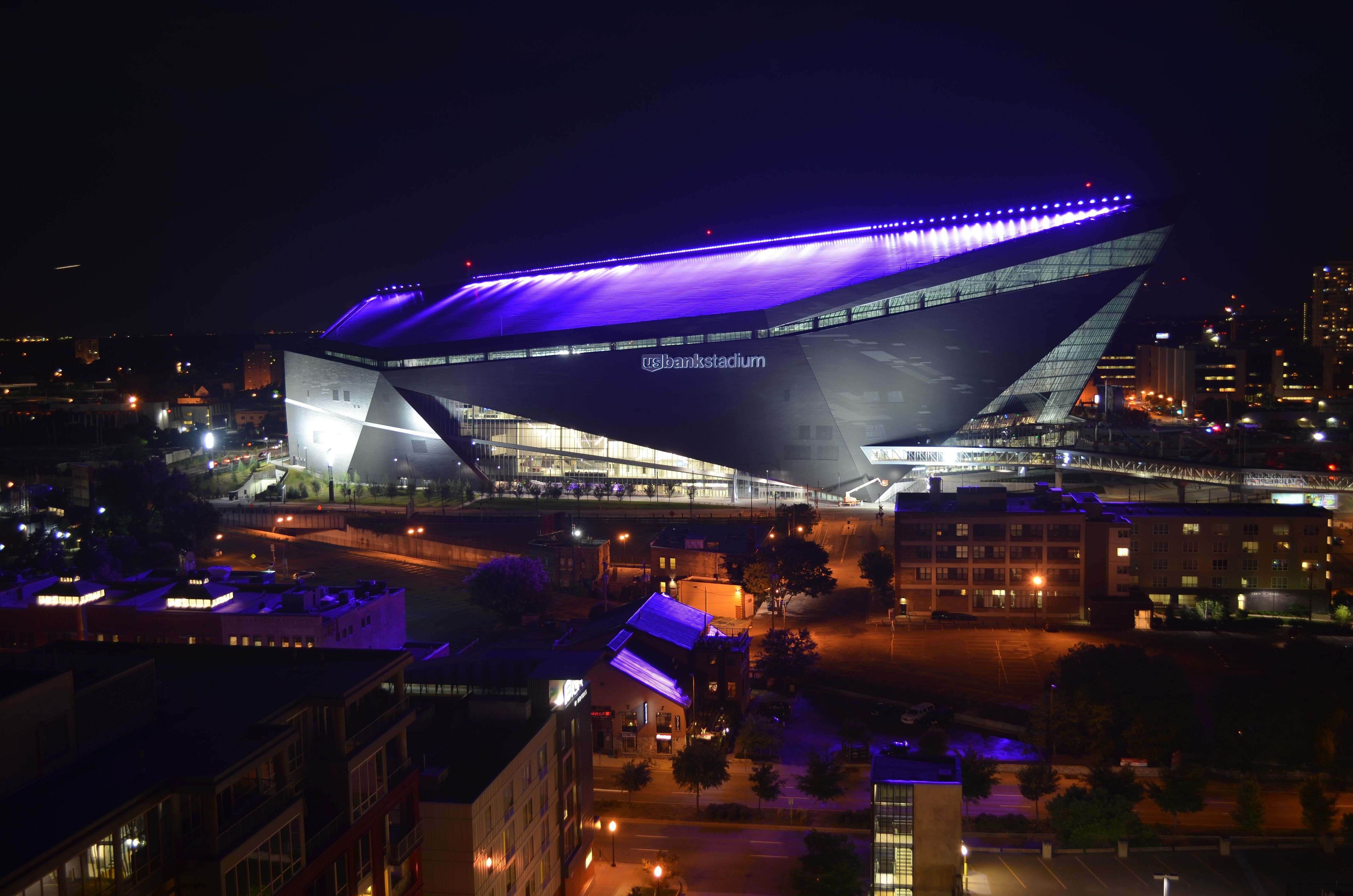 Us Bank Stadium Illuminated Last Night Minnesota Vikings Football Minnesota Vikings Vikings