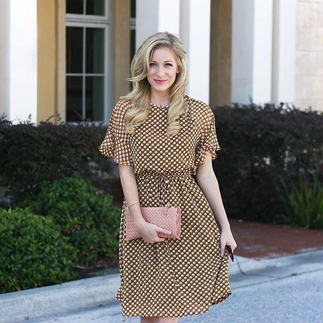 Gold flutter dress from @loft & vintage-glam curls today on adaydreamlove.com ! #ontheblog #ootd