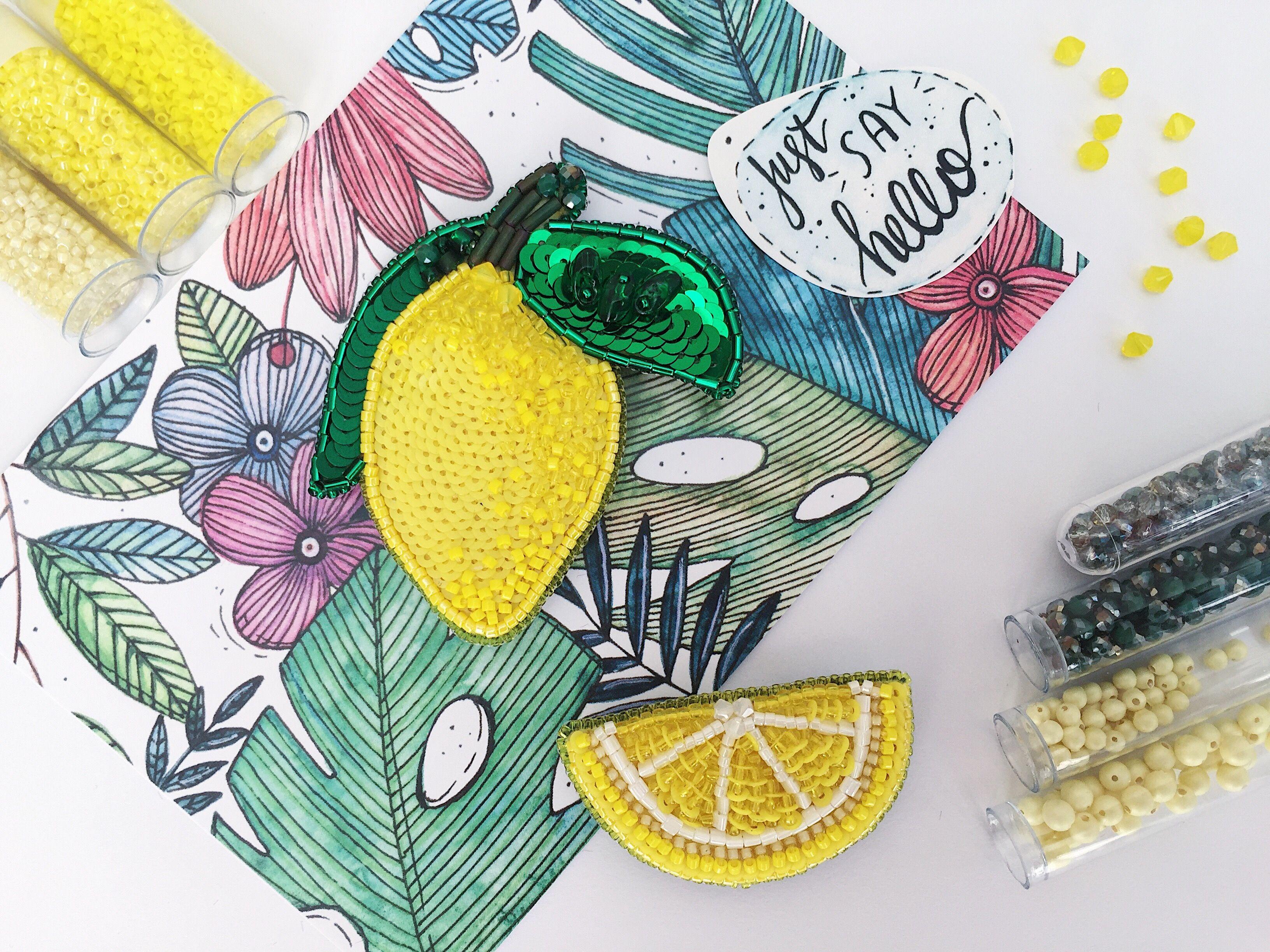 Брошь лимон из бисера Embroidered bead brooch  lemon. Bead jewelry