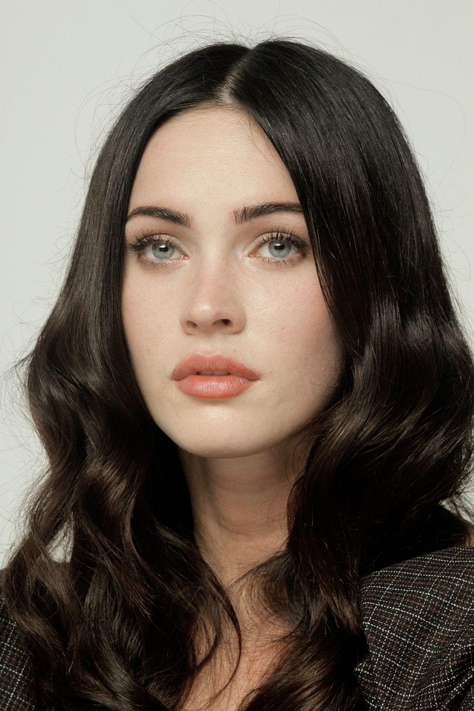 Picture Of Megan Fox Megan Fox Makeup Megan Fox Pictures Dark Hair