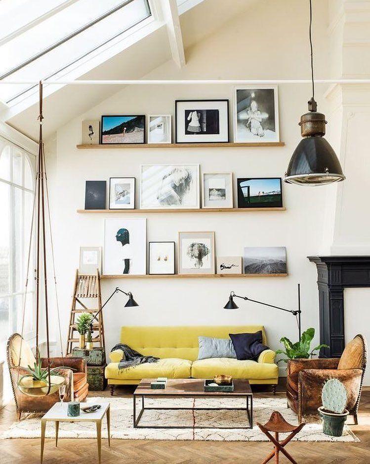 Perfect deze gele bank! @interiordesignmag #geel #bank #woonkamer ...