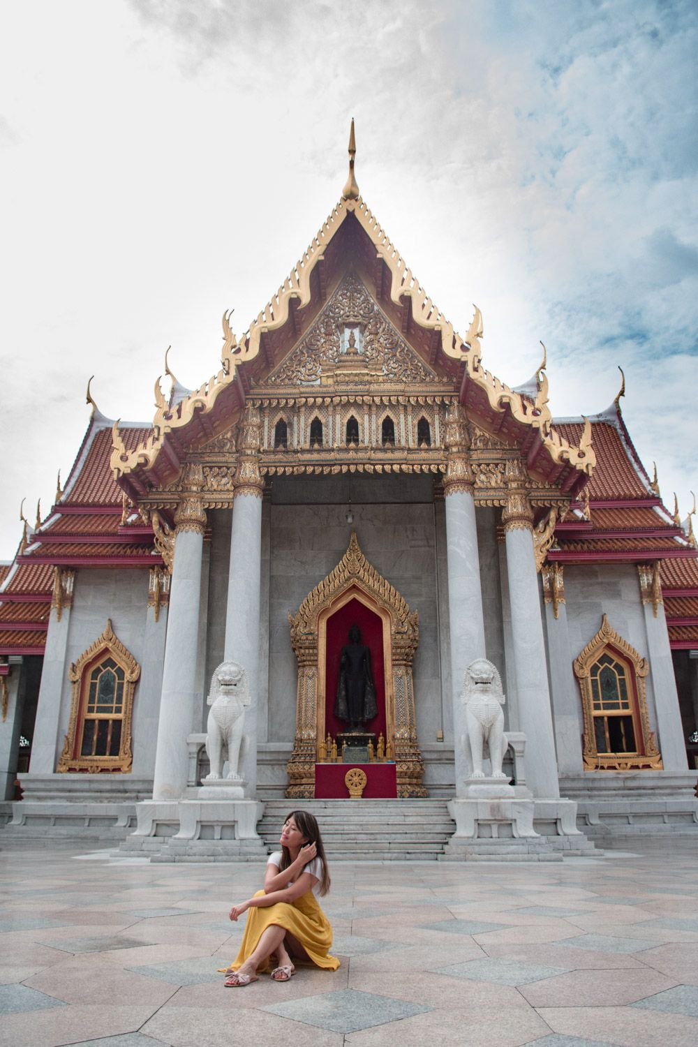 10 Incredible experiences in Bangkok Thailand you won't want to miss.  Perfect things to do for your 2 or 3 day trip to Bangkok!  Add these fun things to do to your Bangkok Itinerary!  #travel #bangkok #thailand #asia #bucketlist