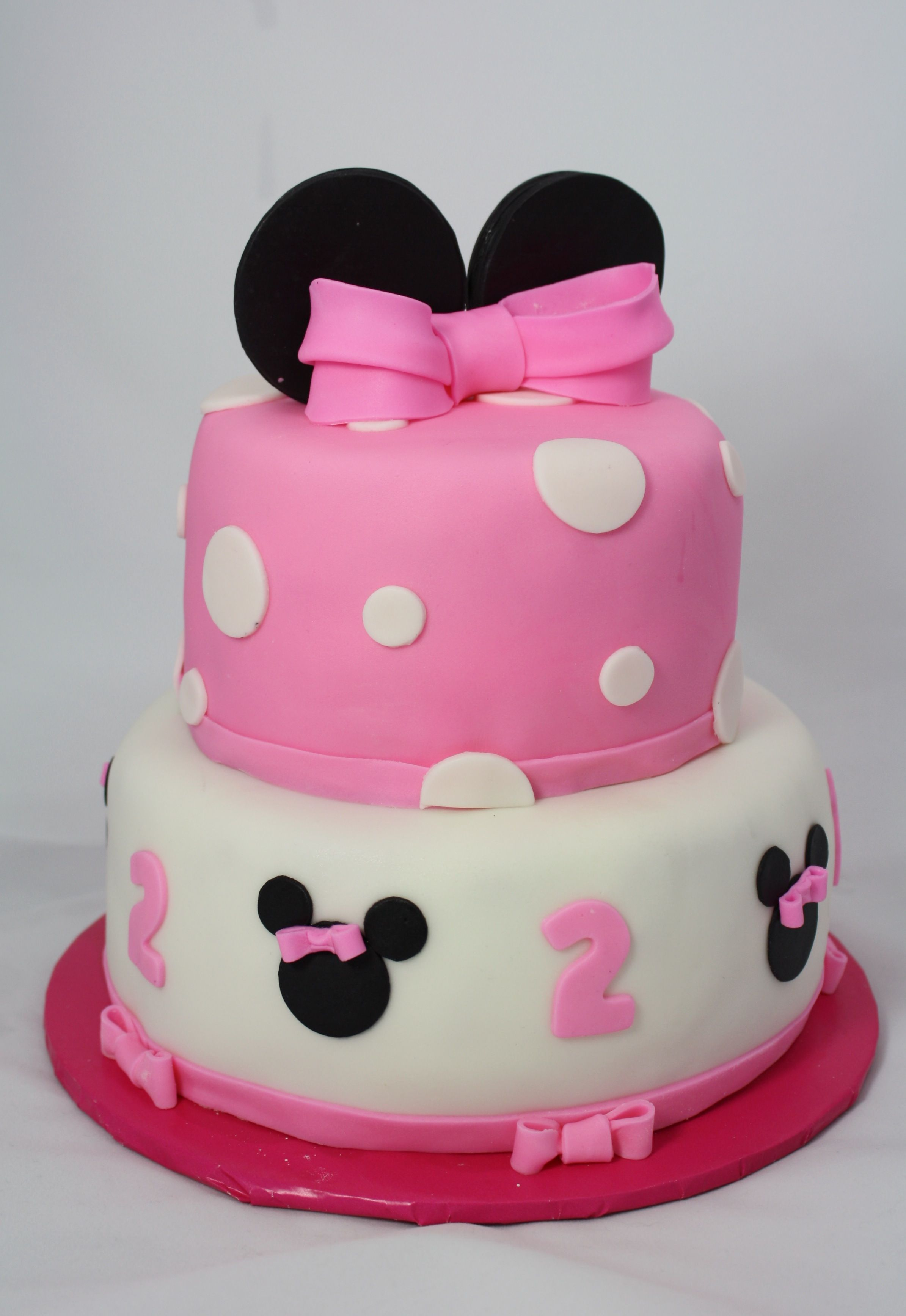 Minnie Mouse Cake Minnie Mouse Party Pinterest Mouse cake
