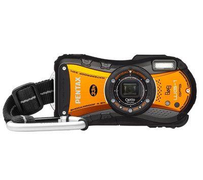 Die Optio WG-1 GPS von Pentax ist eine echte Outdoor-Kamera im sportlichen Look, die Abenteurern auf Schritt und Tritt, über und unter Wasser folgt.    Egal ob beim Tauchen, Skifahren, Klettern oder Canyoning - die robuste Optio WG1 GPS macht alles mit. Diese Pentax Kompaktkamera ist wasserdicht bis 10 Meter Tiefe, stoß- und druckfest und eisgeprüft.  Dank des Riemens mit Karabinerhaken haben Sie sie stets griffbereit am Gürtel oder Rucksack hängen.