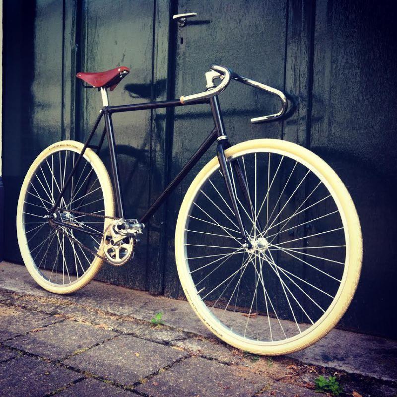 Singlespeed Black Beauty Large Frame | custombuild bikes | retrofietser.nl