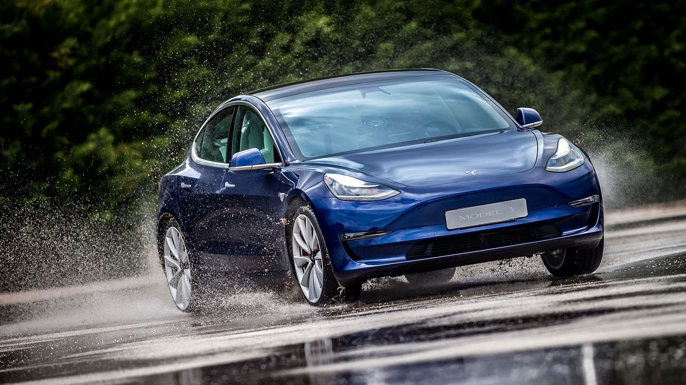 The Tesla Model 3 not only looks good but is filled with lots of cool technology 👌 Check it out on site.  #TeslaModel3 #SaloonCars #ElectricCars
