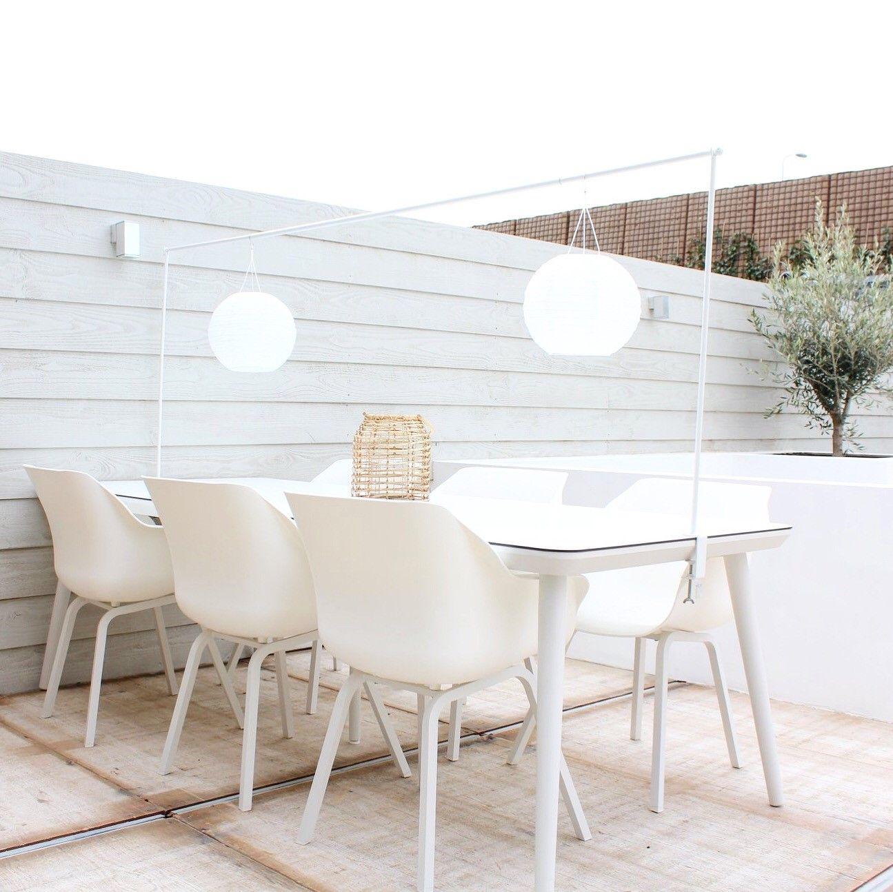Kuipstoeltjes Tuin En Terras.Witte Tuinset Voor Een Frisse Blik In De Tuin Deze Witte Hartman