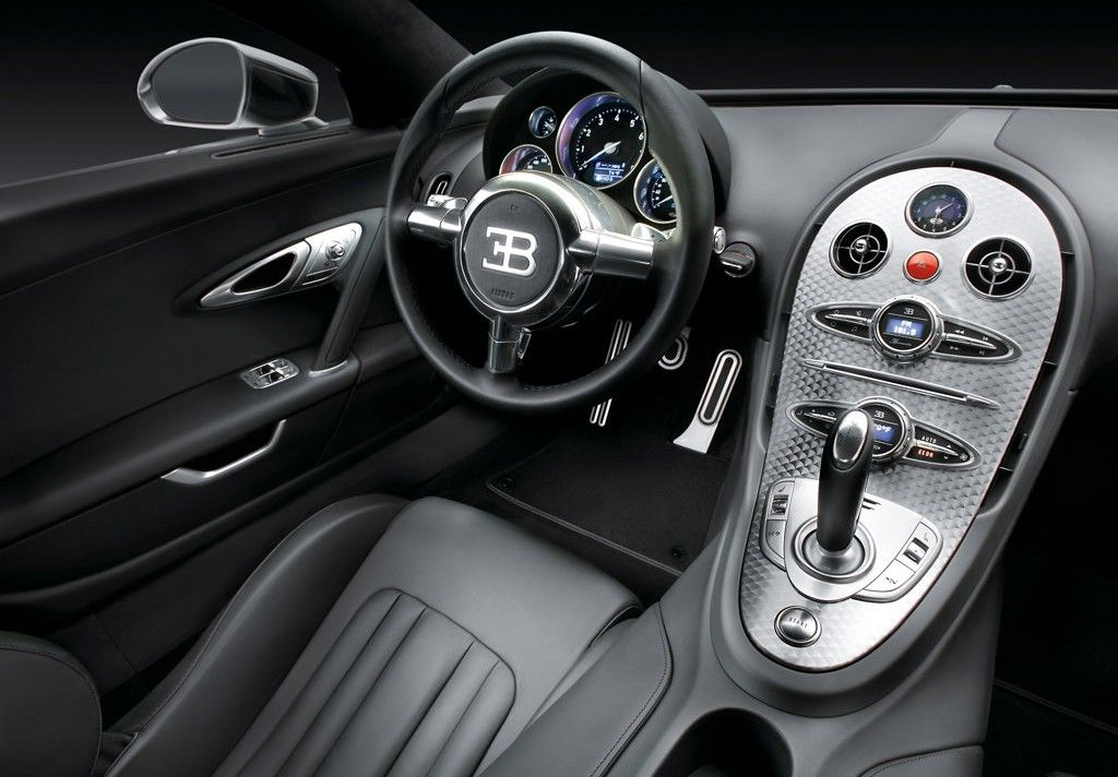 the bugatti veyron eb is a mid engine grand touring car the super sport version is the fastest production car in the world with an average speed of km h - Bugatti Veyron Super Sport Top Gear Wallpaper