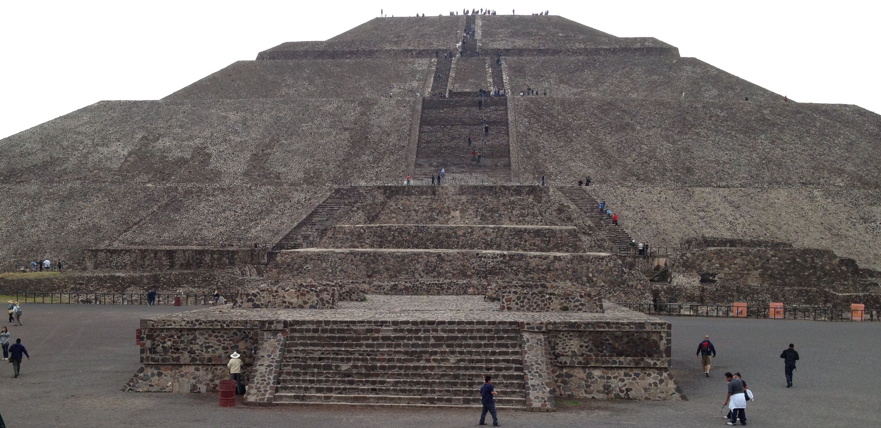 A Guide To Mexico's Aztec Ruins  |Tenochtitlan Ruins