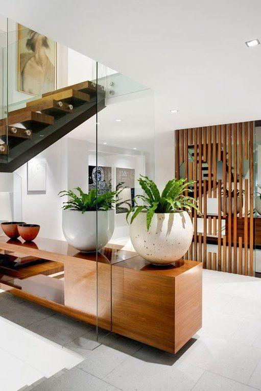 Het bewijs dat ook hout perfect is te combineren in een design - interieur mit holz lamellen haus design bilder