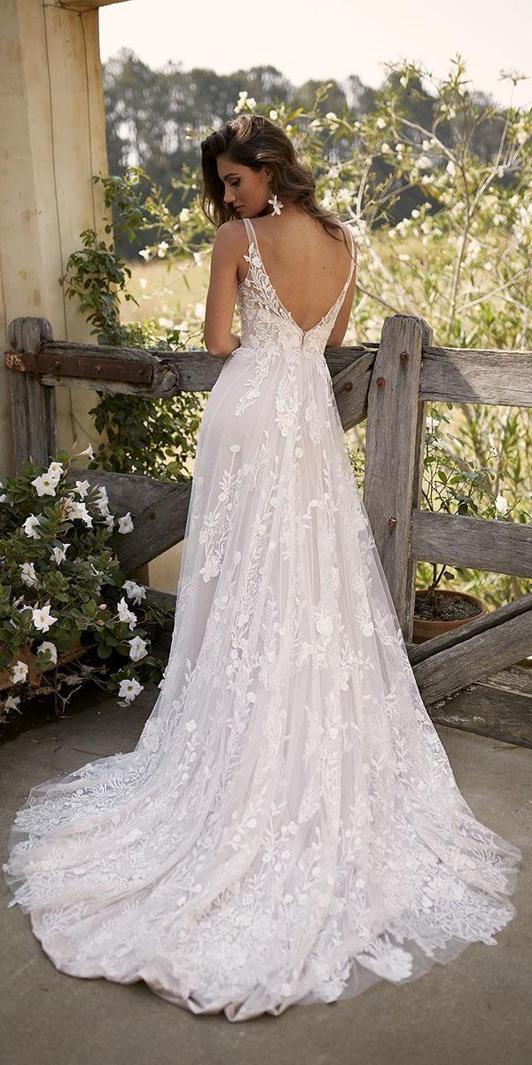 21 Fantastic Lace Beach Wedding Dresses | Wedding
