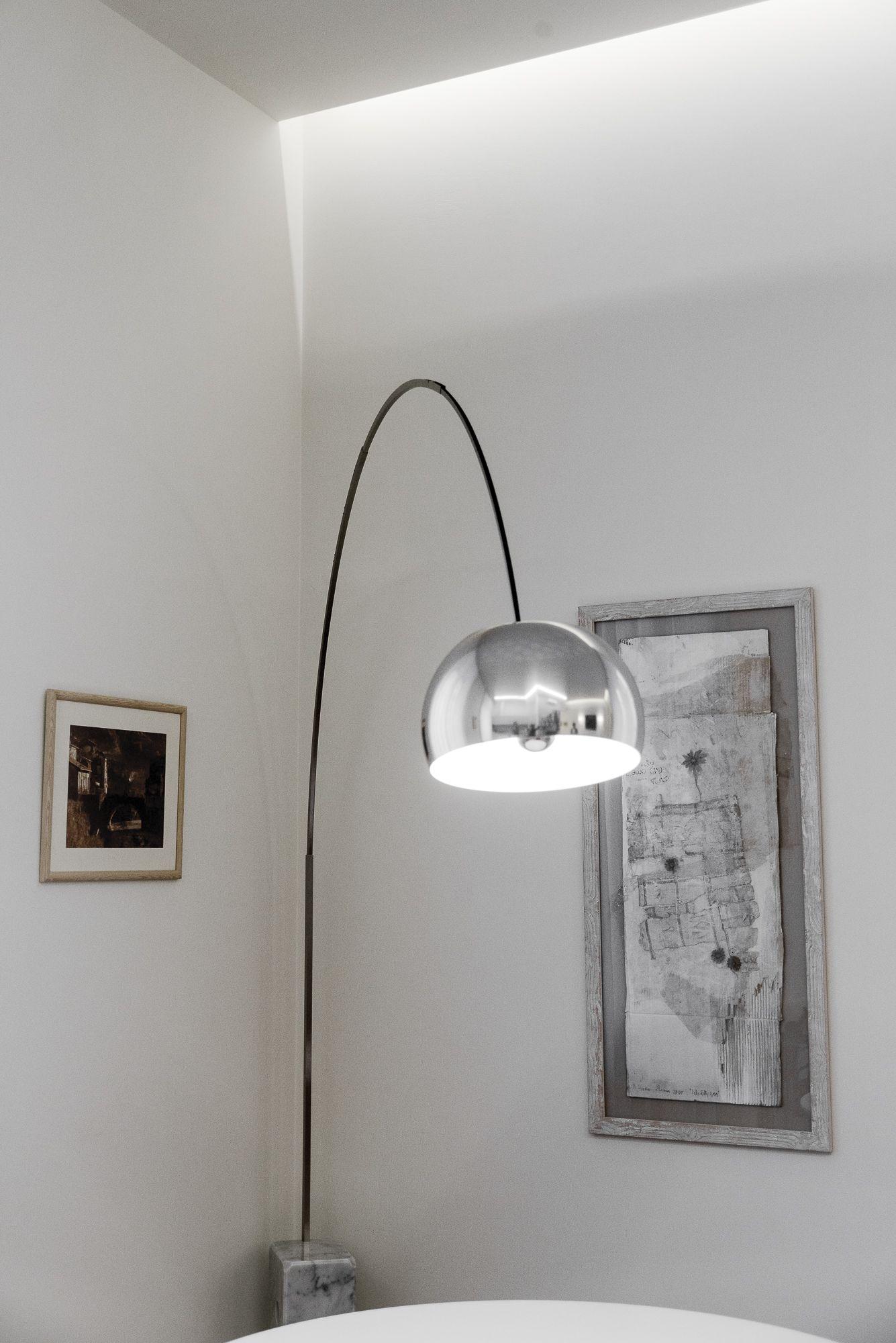 Lampada Arco Castiglioni Prezzo.Lampada Arco Di Pier Giacomo E Achille Castiglioni Per