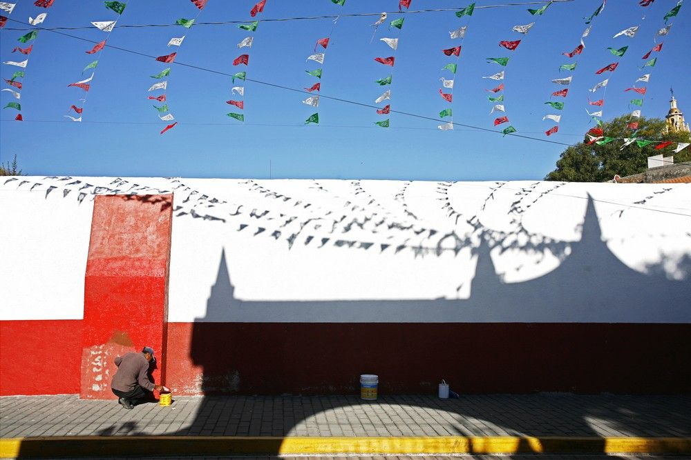 Love walking the #backstreets when we travel.  #mexico #cholulu  www.expressionsphoto.co.za