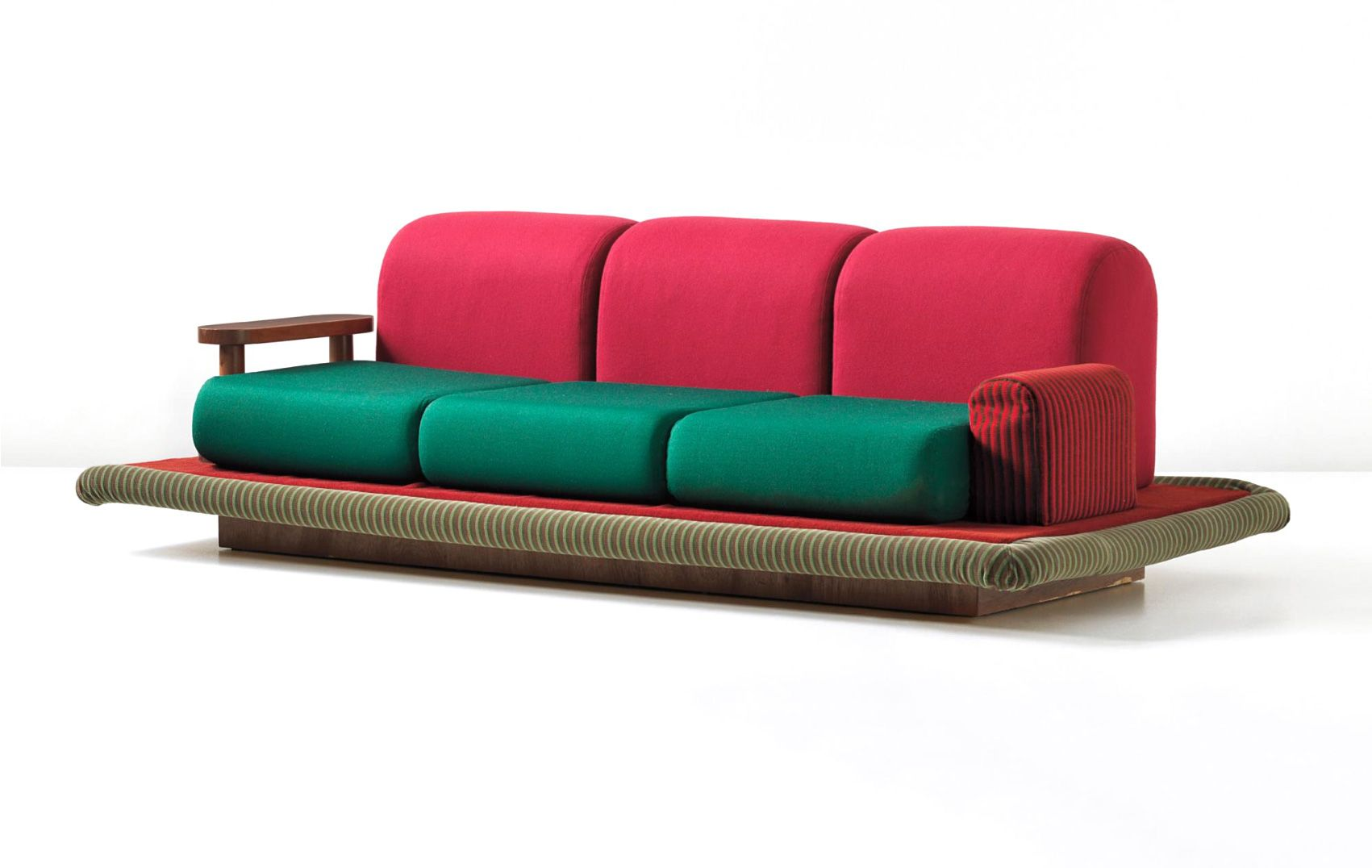 TAPPETO VOLANTE Sofa | ETTORE SOTTSASS | Pinterest for Ettore Sottsass Sofa  570bof