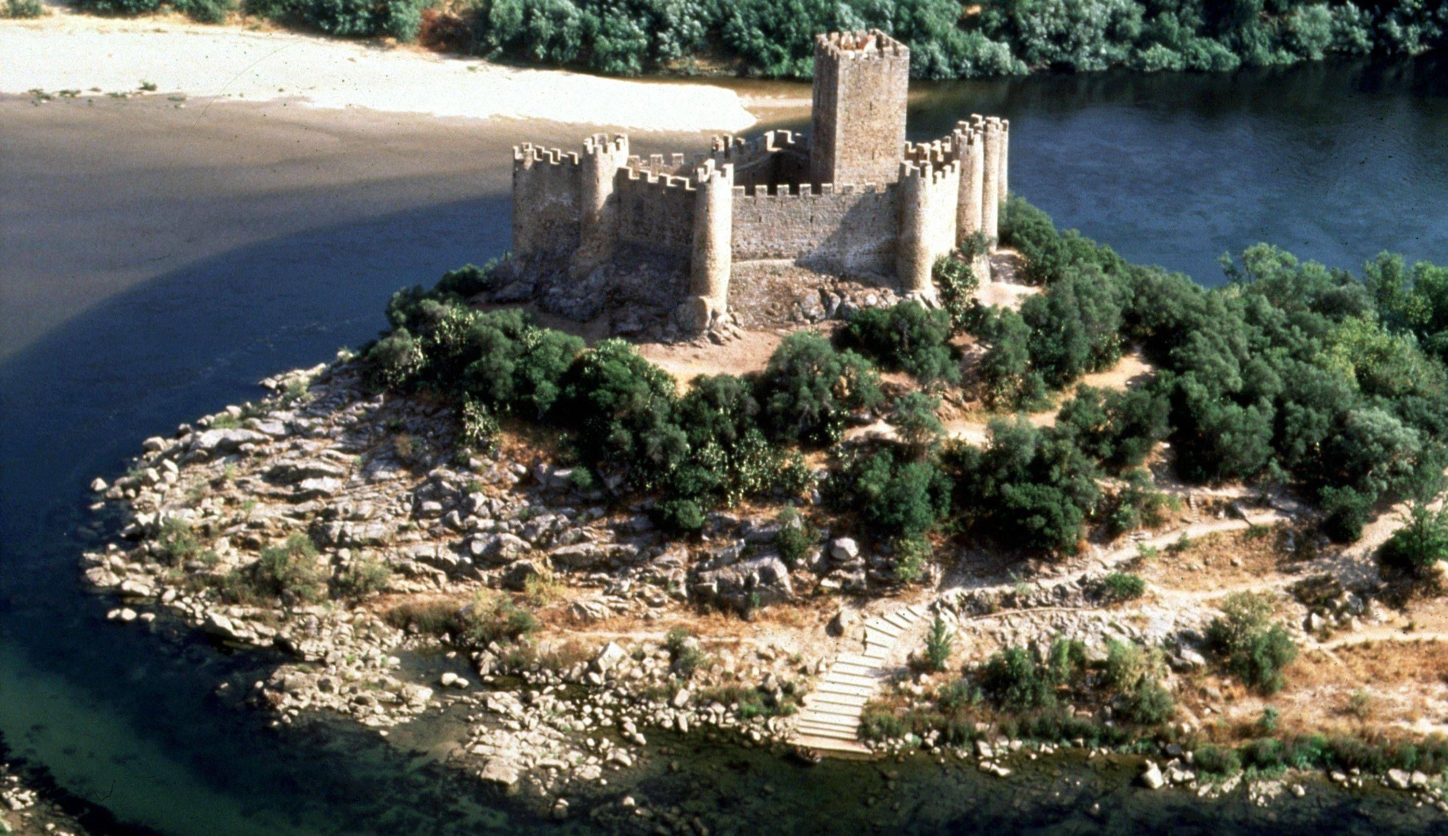 ป กพ นโดย Castlehunting ใน Places To Visit