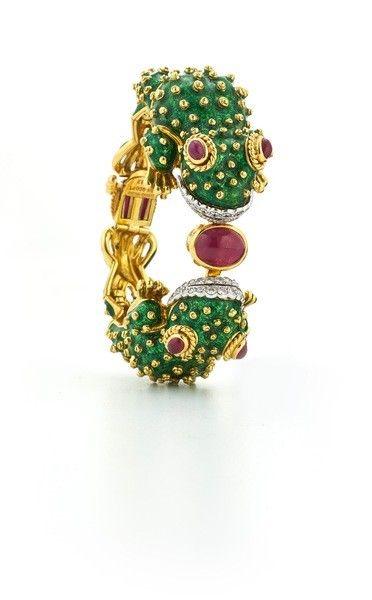 David Webb 18k Gold Baby Frog Cuff Bracelet in Green Enamel ZboaA