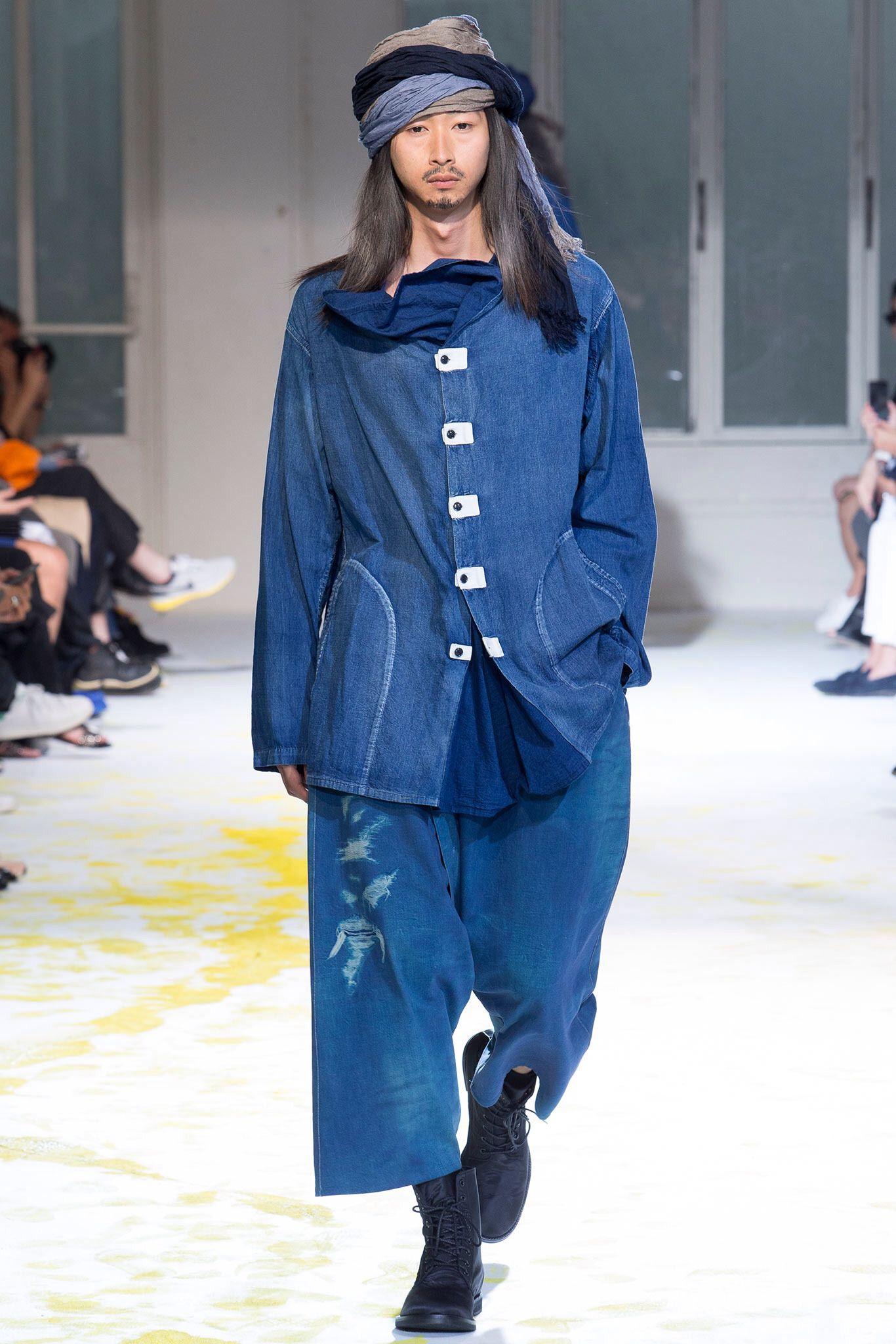 Yohji Yamamoto  Look  32