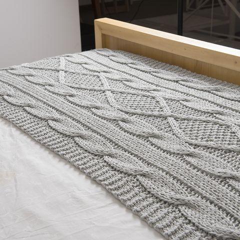 Pie de cama minsk gris claro deco pinterest crochet for Sofa cama gris claro
