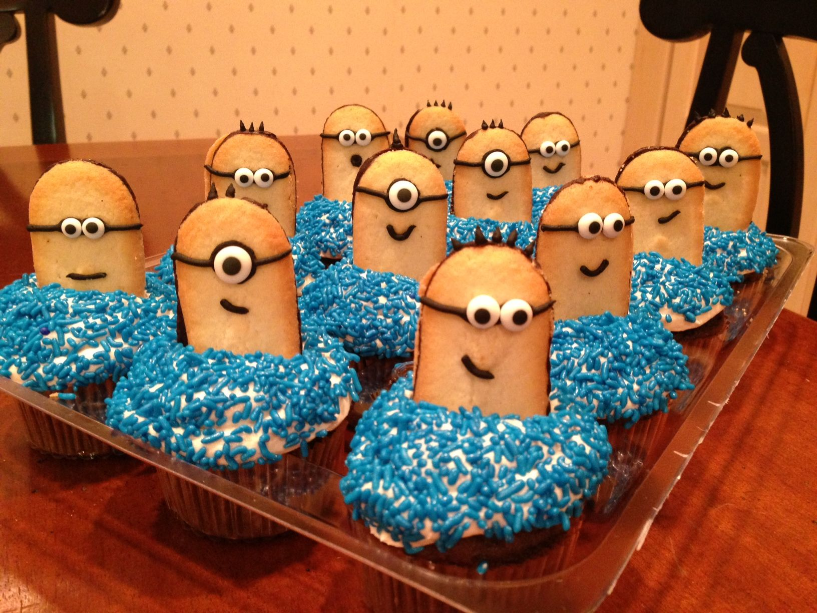 Minion Cupcakes From Despicable Me We Used Milano