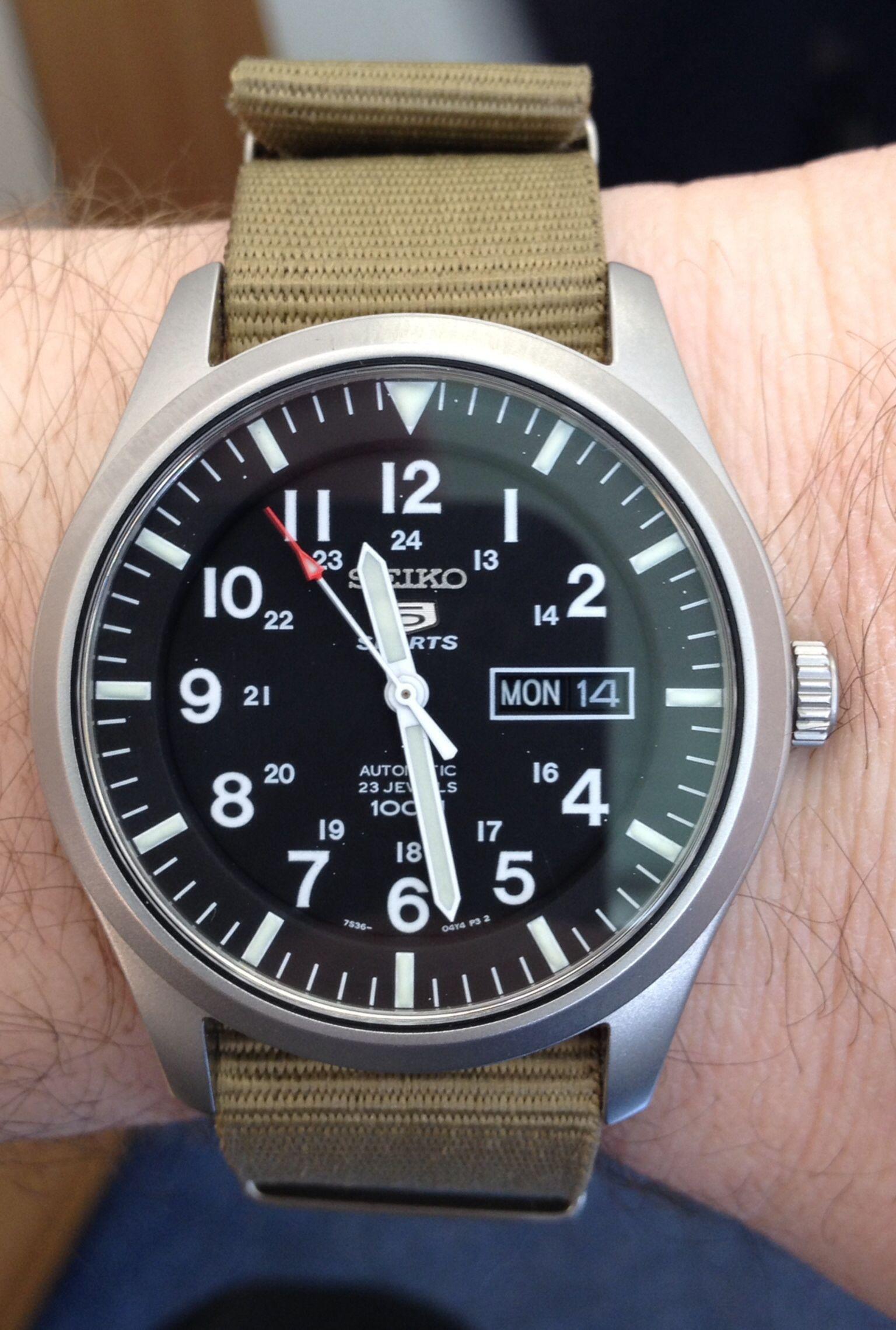 23 Jewel Seiko 7S36 Movement Automatic Watch On A Khaki NATO Style Strap
