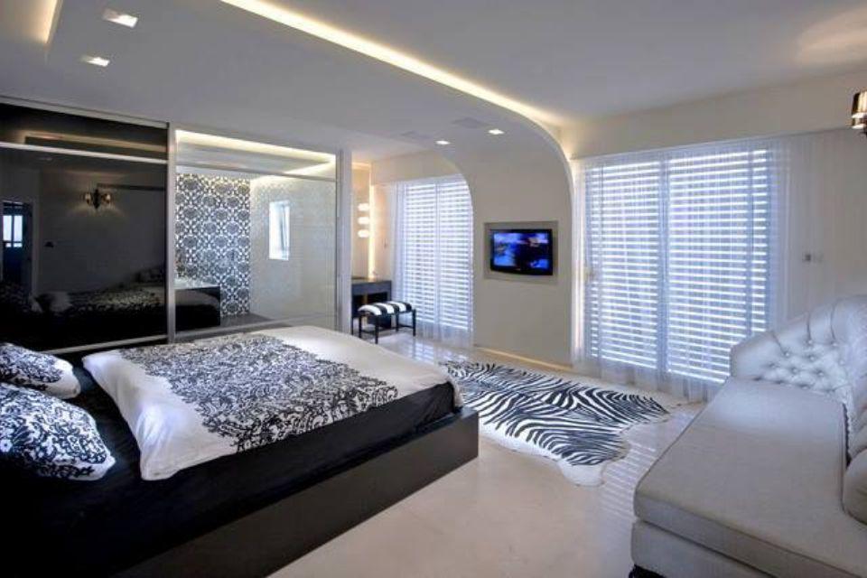 Gorgeous bedroom...