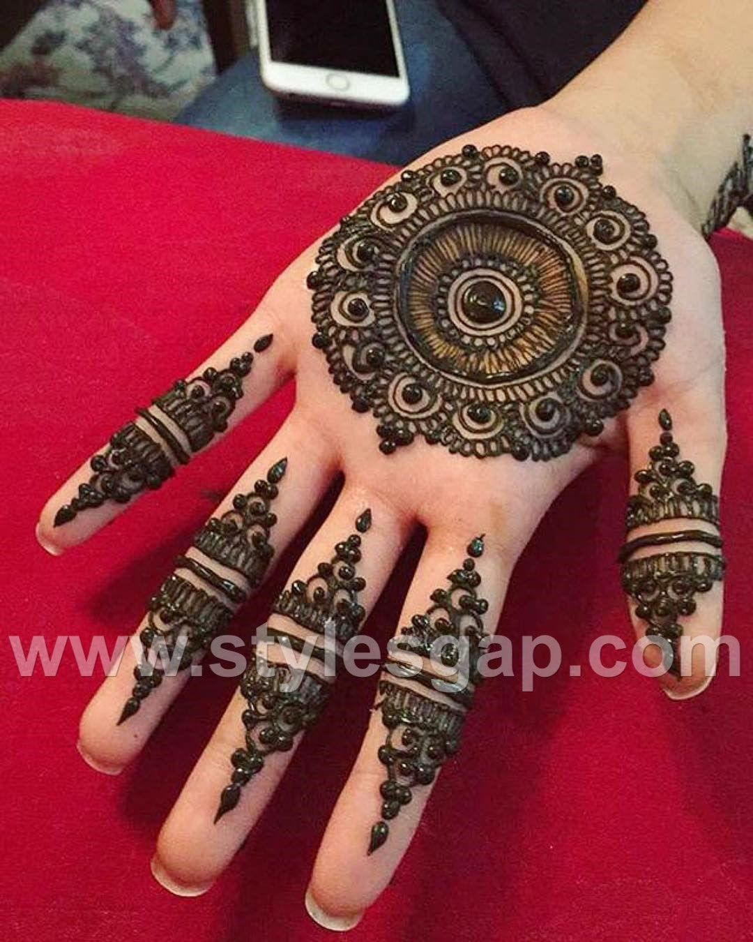 very simple mehndi design 2021