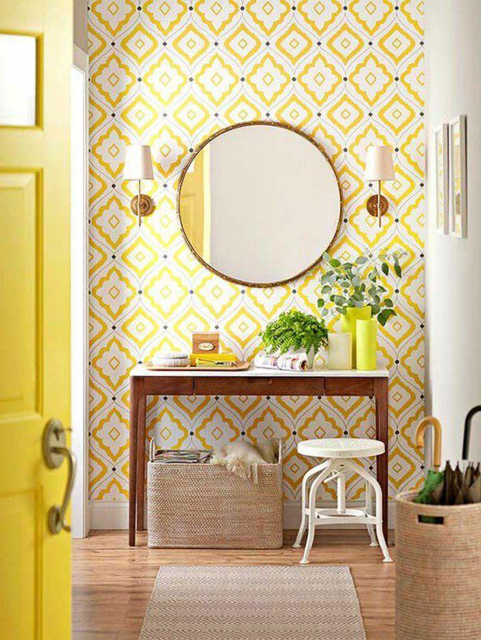 1 jolie entr e pleine de lumi re avec papier peint for Miroir geometrique