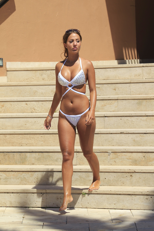 Celebrity Yazmin Oukhellou nudes (12 pics), Feet