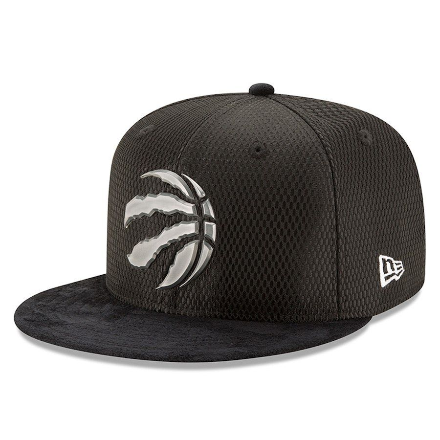 hot sale online 6fd42 e36dd Men s Toronto Raptors New Era Black 2017 NBA Draft Official On Court Collection  59FIFTY Fitted Hat Size 7-3 4