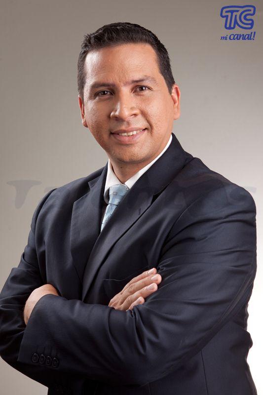 Mauricio Ceballos: Reportero de El Noticiero, Guayaquil.