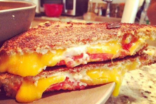 Dinner for Two: Healthy Tomato Soup + GrilledCheese.