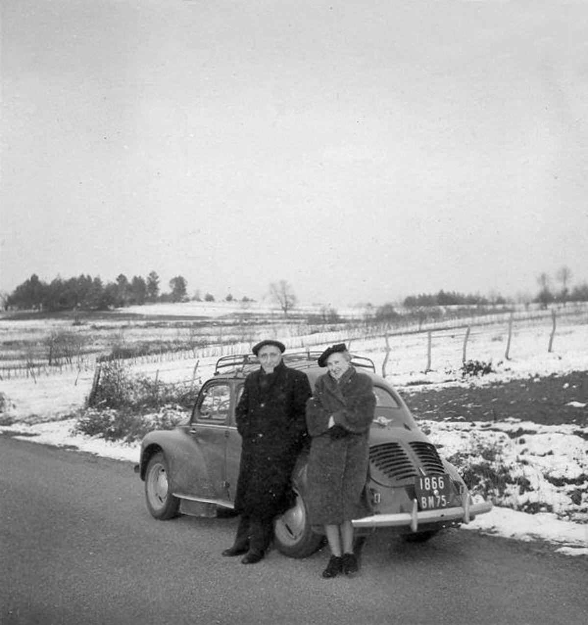Renault 4cv Renault Voiture Photos Anciennes