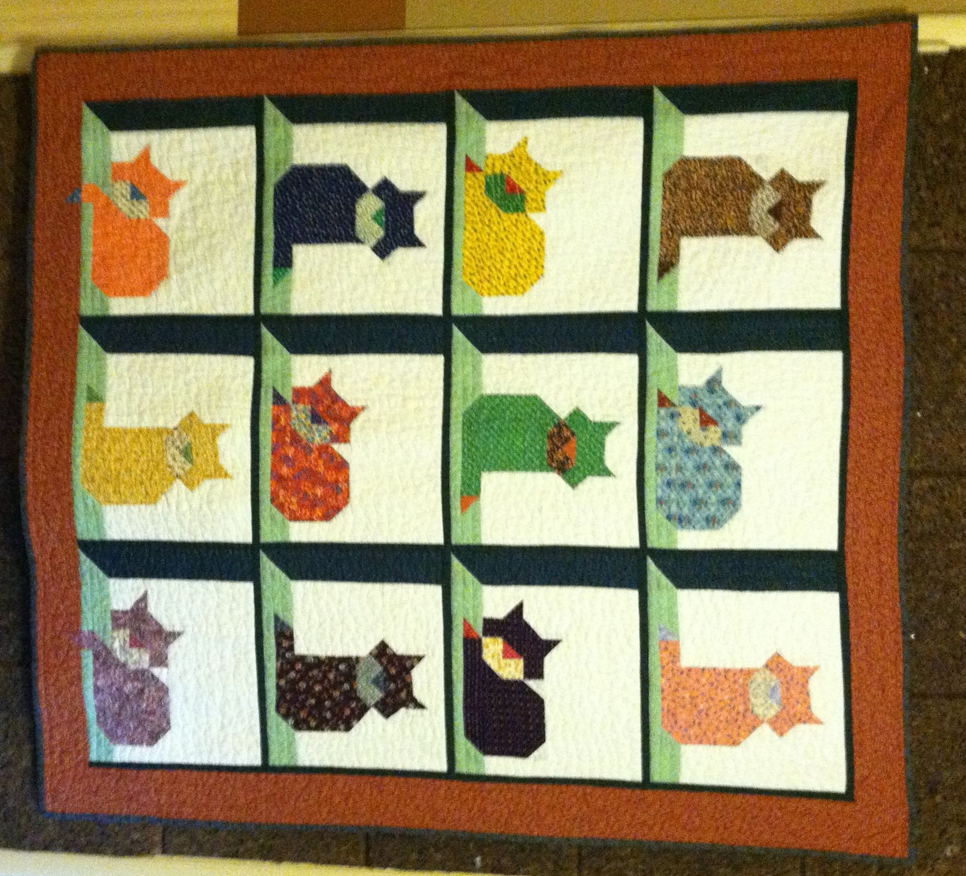 Every cat lover out there deserve a cute cat quilt like