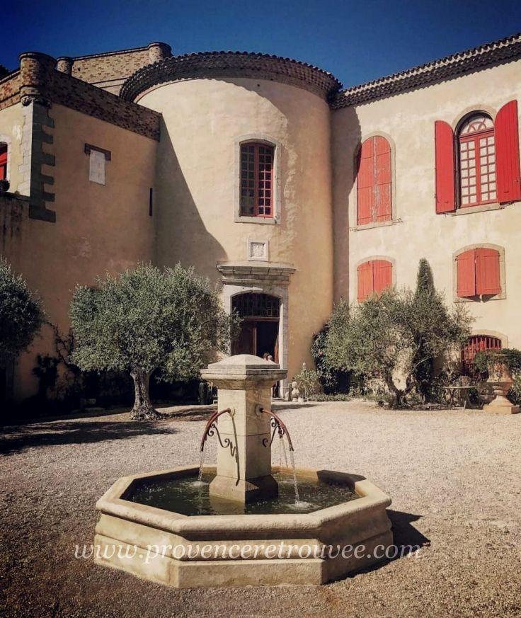 Le Château de La Verdière est le plus vaste château de Provence ...
