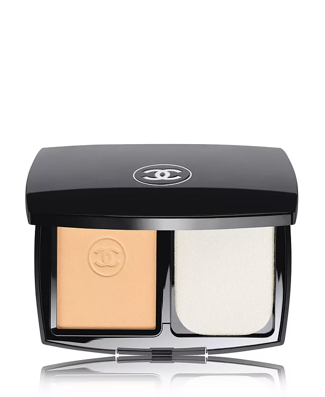 CHANEL Ultrawear Flawless Compact Foundation & Reviews