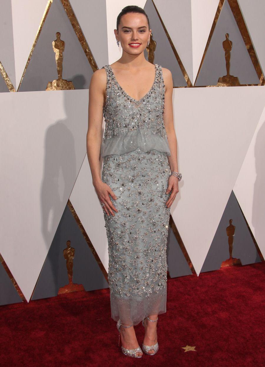 Daisy Ridley In Chanel Academy Awards 2016 Dresses Gray Dress Fashion