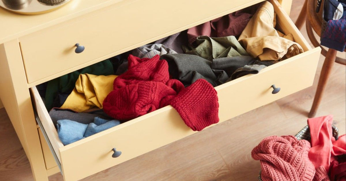 How To Clean Out Your Jam Packed Closet Once And For All Clutter