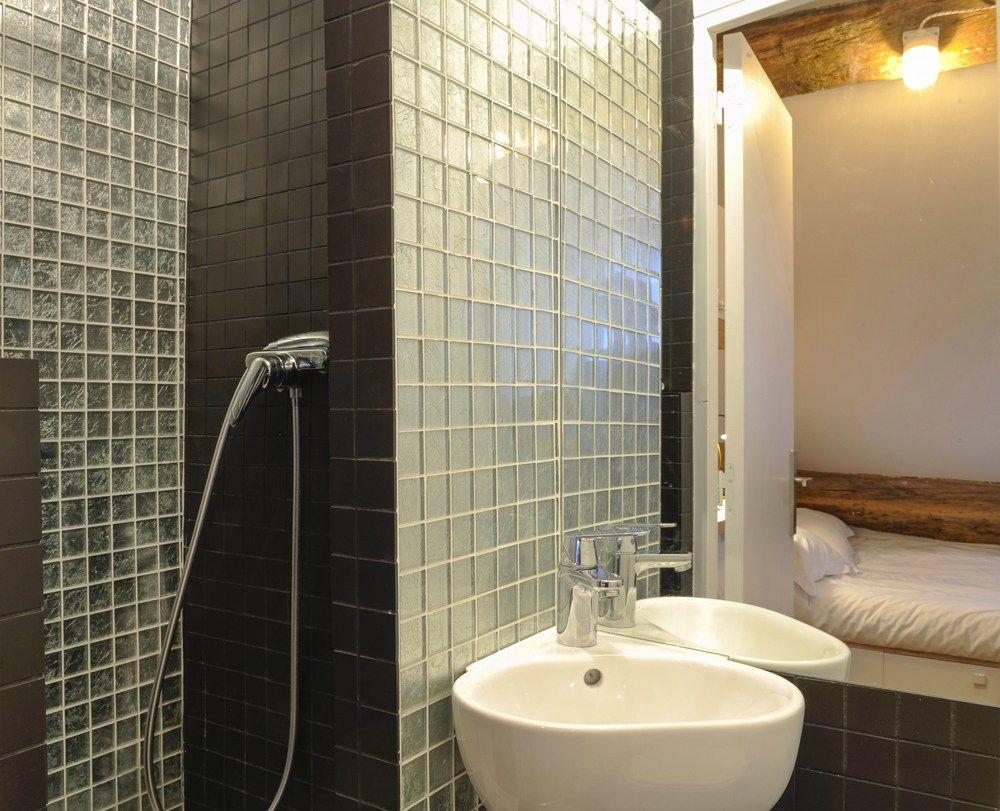 Amenager Une Salle De Bain De 10M2 lavabo salle de bain mosaïque studio paris agencement 10m2
