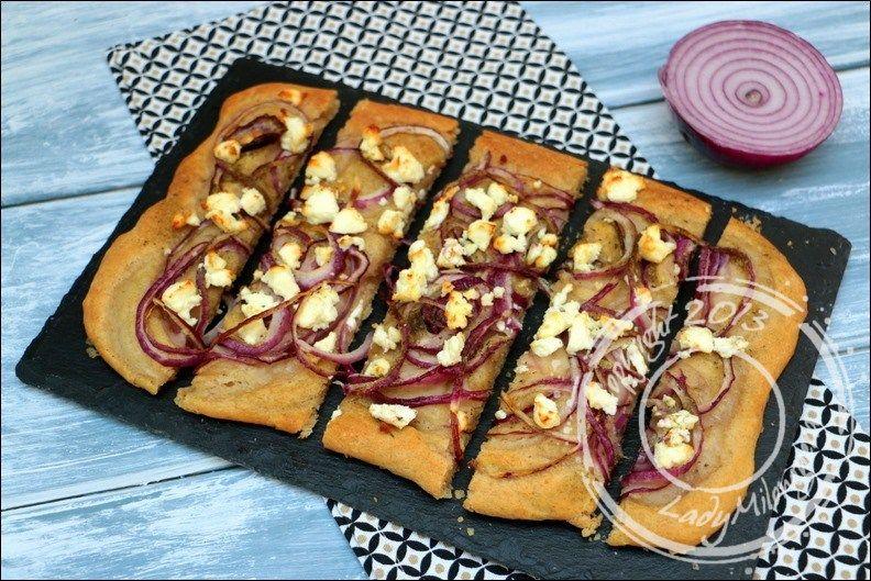Focaccia-oignons-rouges-feta-yotam-ottolenghi (1)