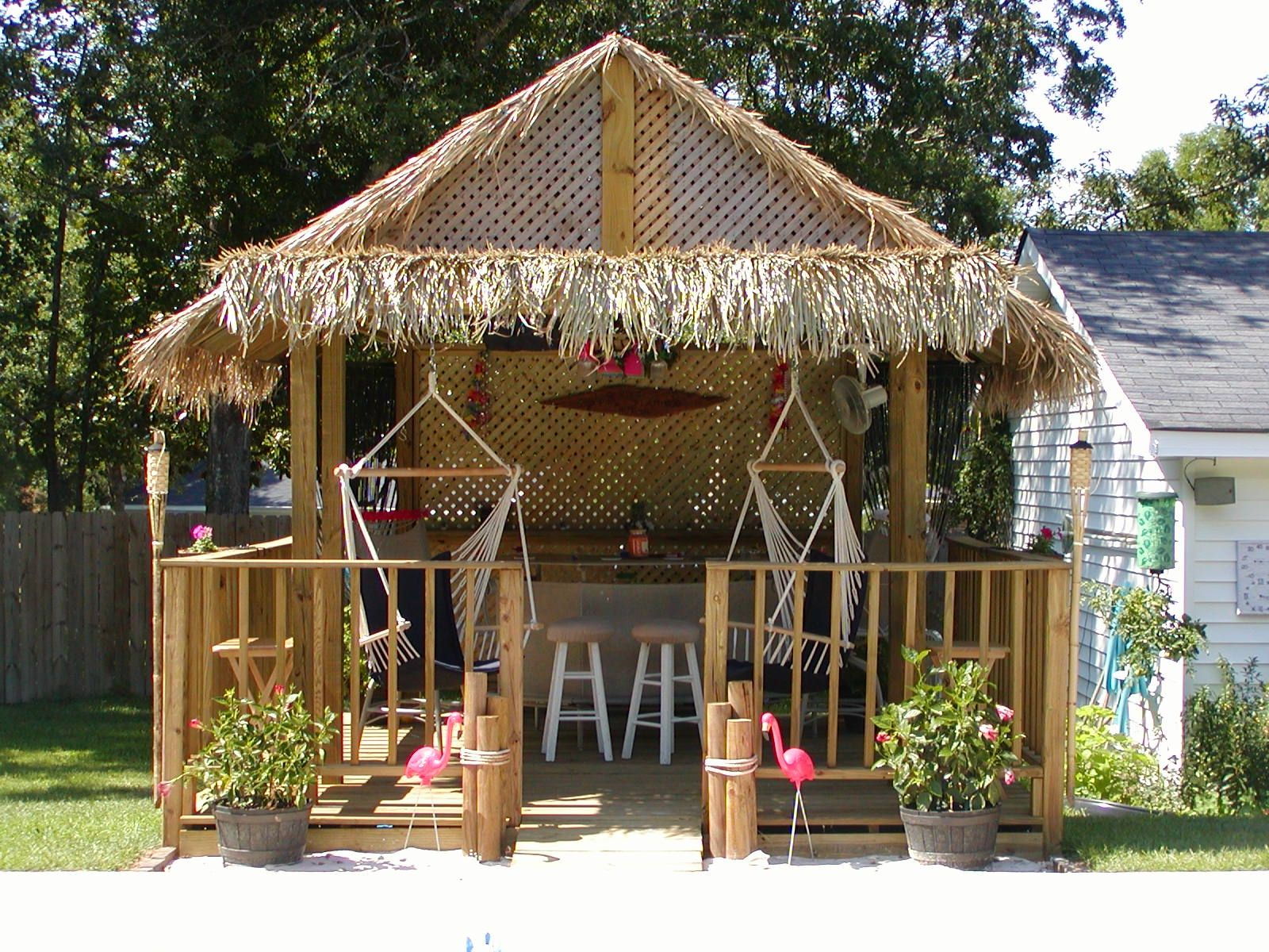 Thatching for diy build your own tiki huts and tiki bars for Beach bar ideas