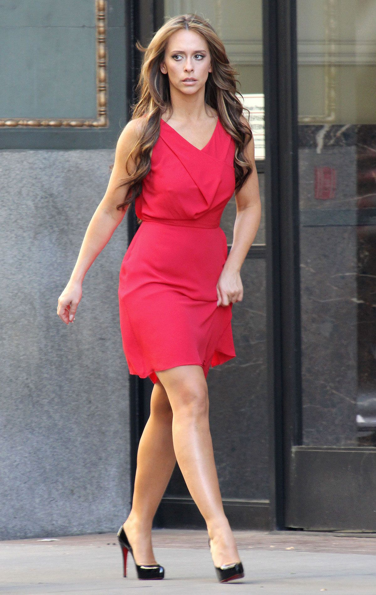 Jennifer Love Hewitt On The Set Of The Client List In Los Angeles Jennifer  Love Hewitt Client List