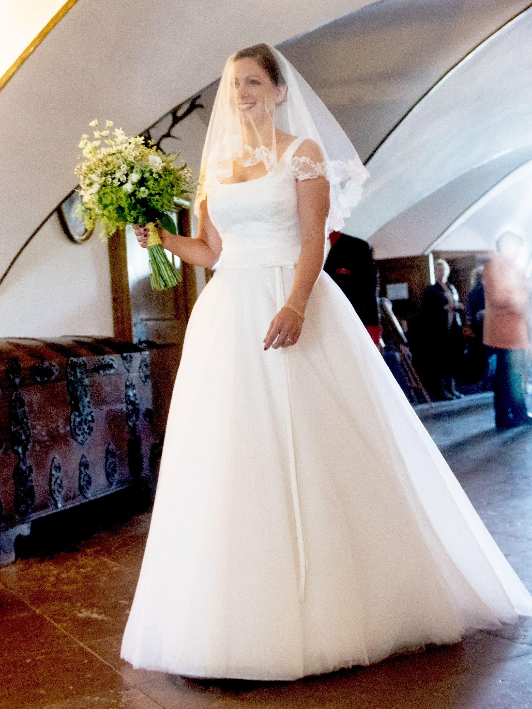 Klassisches Brautkleid Träger | Hochzeit | Pinterest | klassisches ...