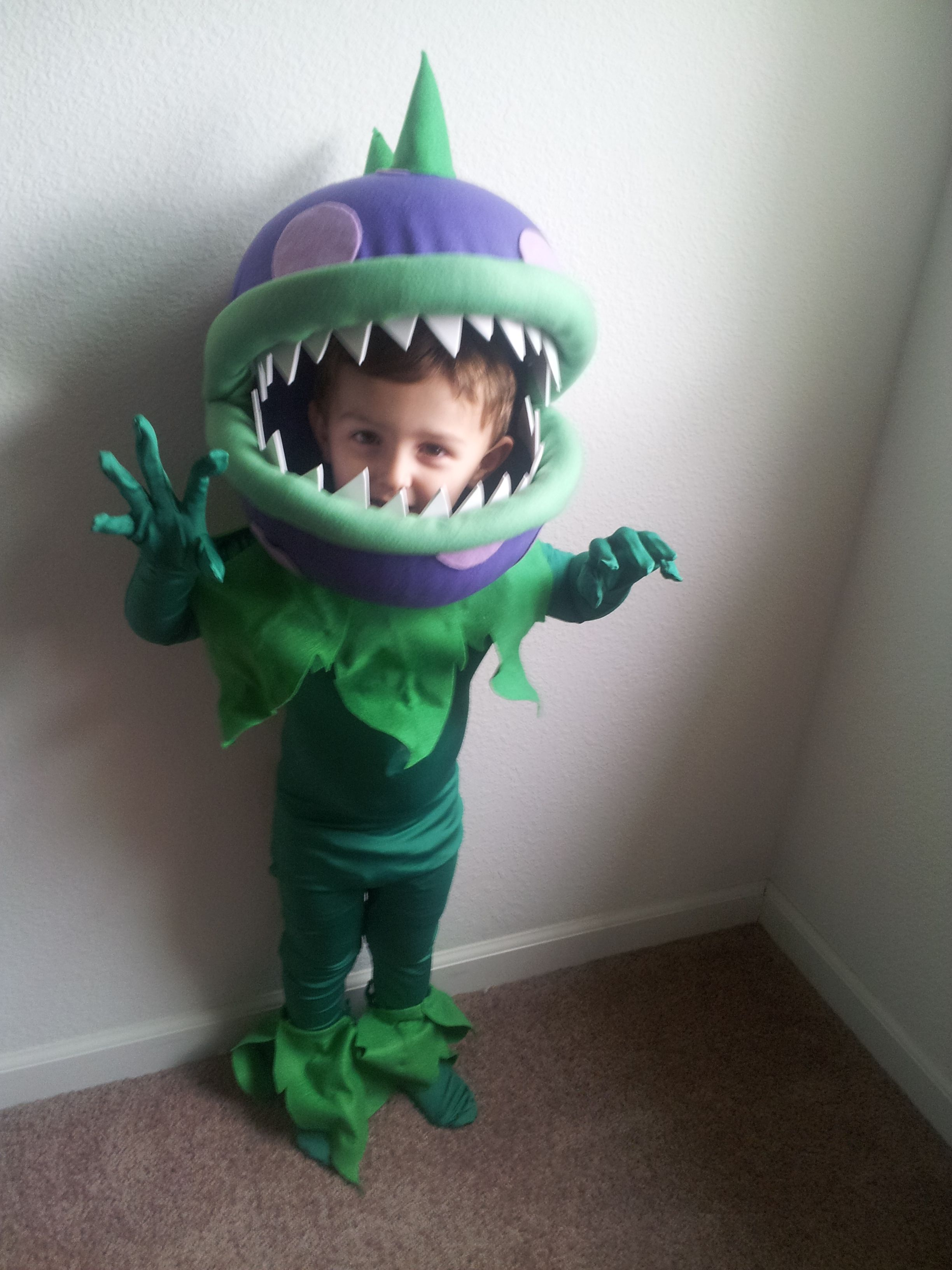 Plants vs Zombies Chomper costume. Made from two plastic bowls