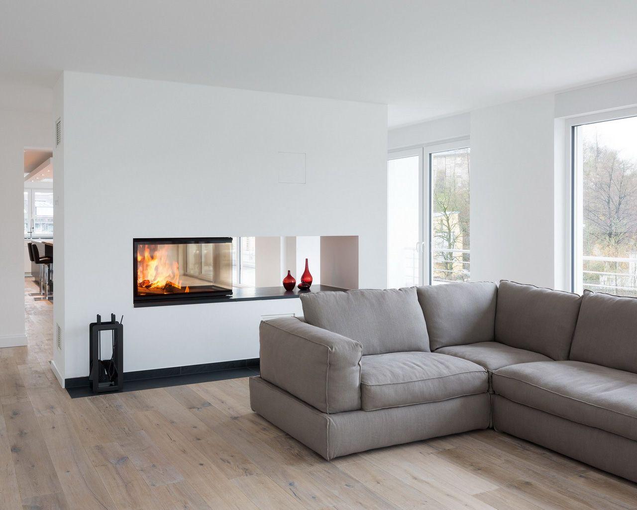 ein dreiseitig einsehbarer kamin als raumteiler der einsatz ist von spartherm arte u 90. Black Bedroom Furniture Sets. Home Design Ideas