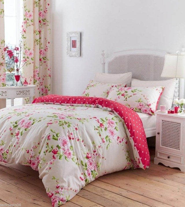 Idée déco chambre de fille ado \u2013 literie à motifs floraux
