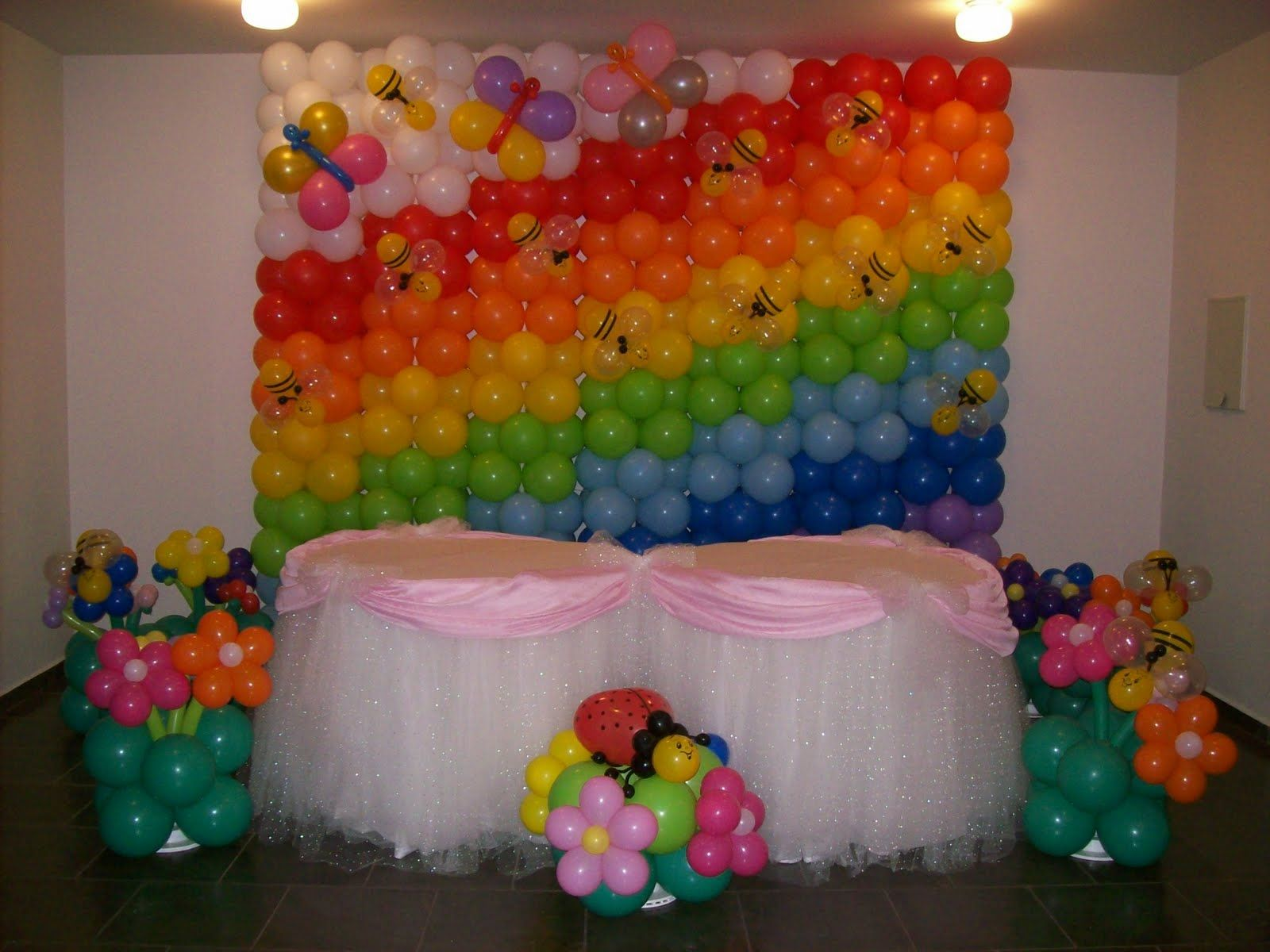 Pared de globos de fiesta tem tica de arco iris para for Decoracion para pared para cumpleanos