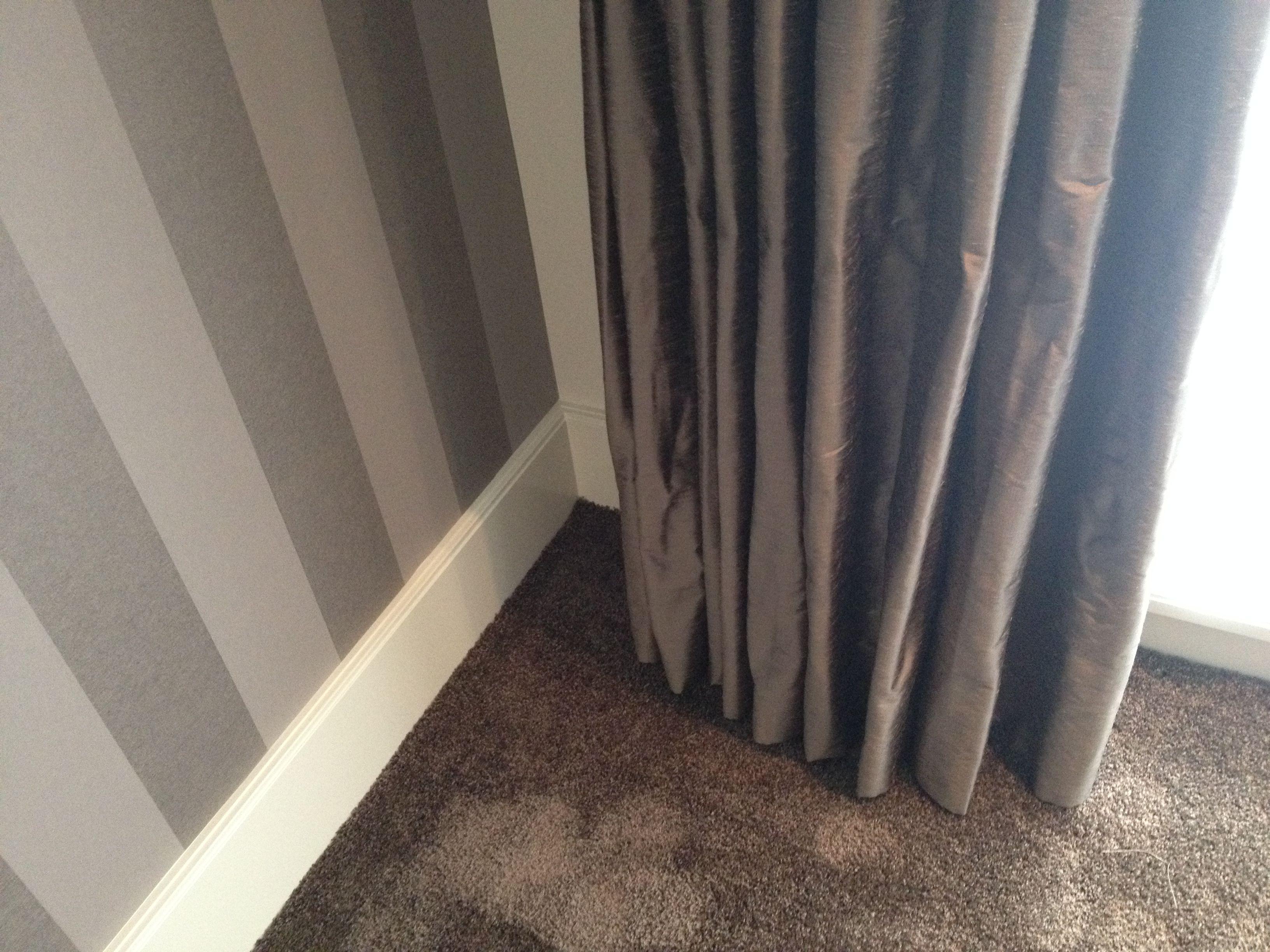 Slaapkamer Naturel Tinten : Mooie combinatie in de slaapkamer. gordijnen kunst zijde in dezelfde