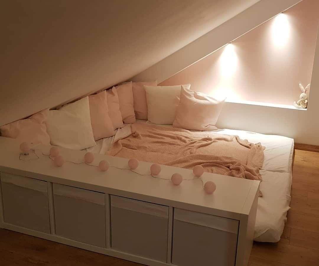 16 Kinderzimmer Ideen Fr Kleine Zimmer Mit Dachschrge   Girl room, Girls room wallpaper, Dream ...