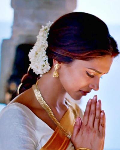Confessionsofabollywoodgirl Bollywood Girls Deepika Padukone Deepika Padukone Saree
